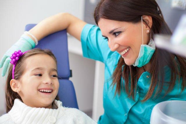 5 cose da evitare prima di portare il bambino dal dentista