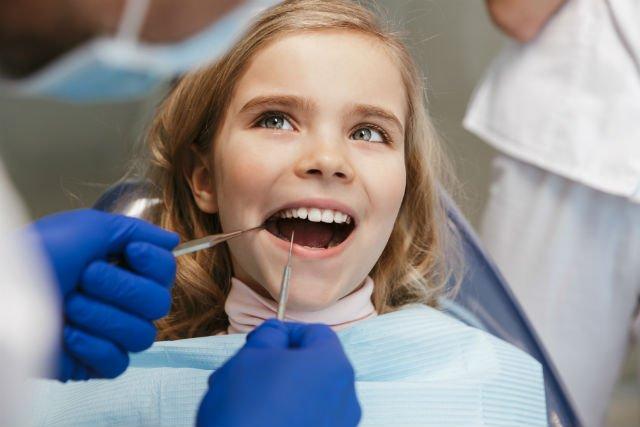 Cura e pulizia dei denti nei preadolescenti